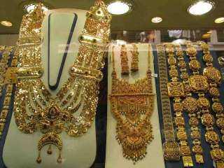الذهب ينحنى فى تعاملات المساء ويفقد جنيهان
