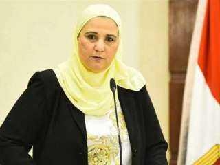 قصة انسانية من العيار الثقيل .. شقيقة وزيرة التضامن تلحق بزوجها بعد وفاته بساعة