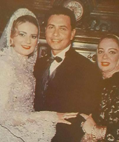 الذكريات الحلوة رانيا محمود ياسين ومحمد رياض في حفل زفافهما نجوم الفن الموجز