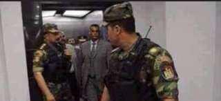 انفراد ..ننشر أول صورة لمرسى ليلة القبض عليه فى القصر الجمهورى