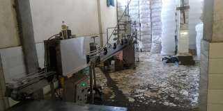 جهاز حماية المستهلك يضبط مصنعاً غير مرخص لانتاج زيت الطعام المغشوش بالقليوبية