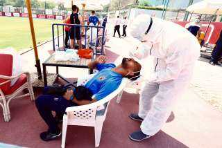 لاعبو الأهلي يخضعون للمسحة الطبية الثالثة