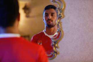 طاهر محمد طاهر : حلم ارتداء القميص الأحمر كان يعيش في عقلي وقلبي منذ الطفولة