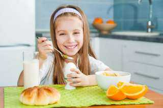 6 أطعمة تزيد من ذكاء طفلك ونموه العقلي.. تعرفي عليها