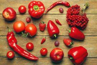 أطعمة باللون الأحمر لن تصدق فوائدها للجسم
