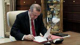 بالأسماء.. أردوغان يُصدر قرارات بتعيينات جديدة في القوات المسلحة التركية