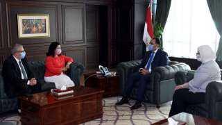 مدبولى يشكر ممثل الصحة العالمية في القاهرة بعد انتهاء فترته