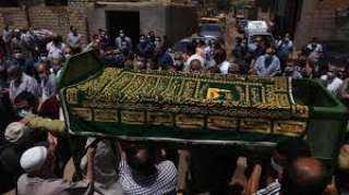 أهالي نبروه يشيعون جثامين 8 من أسرة واحدة..تعرف على القصة المروعة