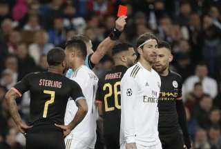 قبل مباريات اليوم.. أكثر 5 لاعبين حصولاً على بطاقات حمراء بدوري ابطال اوروبا