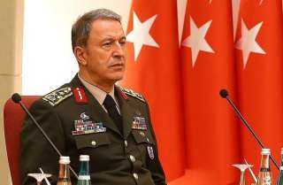 بالصور.. وزير الدفاع التركي في جولة تفقدية على الحدود العراقية