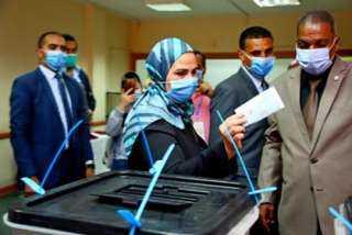 """بالفيديو ..""""القباج"""" تدلي بصوتهافي انتخابات الشيوخ  وتدعوا المواطنين إلى المشاركة"""