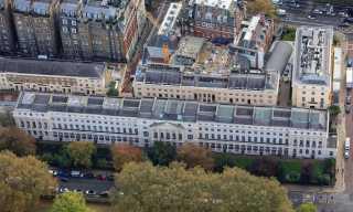 صممه مهندس قصر باكنجهام.. قصر فخم في لندن معروض للبيع بمبلغ زهيد