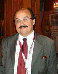 وزير التعليم العالي ينعي الدكتور خالد مكين أستاذ جراحة التجميل بطب القاهرة