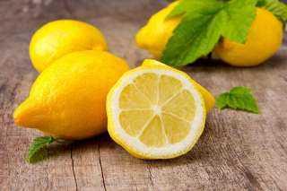 تعرفي علي فوائد الليمون للبشرة
