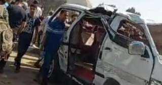 مصرع وإصابة 15 في حادث تصادم 3 سيارات على صحراوي البحيرة