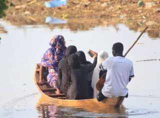 وزير الصحة السوداني يُكرم البعثة الطبية المصرية