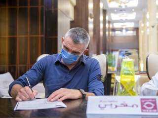 ربيع ياسين يطالب بمنع كارتيرون من العمل بمصر بعد رحيله عن الزمالك