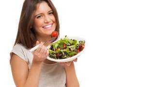 «علشان صحتك».. حافظي على تناول هذه الأطعمة بعد سن الـ30