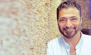 """حميد الشاعري يتخطي مليون مشاهدة بـ""""أنا بابا"""""""
