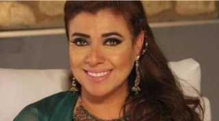 نشوي مصطفي تتمني رؤية والدها الراحل وتستعين بأغنية شيرين عبد الوهاب
