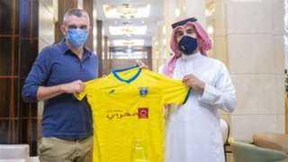 كارتيرون يعلن أول تشكيل مع التعاون السعودي