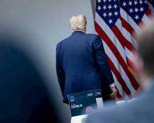ترامب يحدد موعد نهاية كابوس كورونا