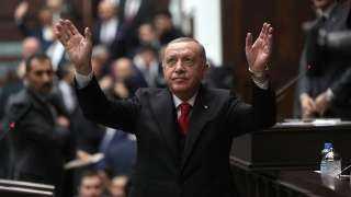 جحيم الديكتاتور.. أردوغان أغلق  189 وسيلة إعلامية واعتقل 319 صحفيا وفصل 151976 موظفا واحتجز  136995مدنيا