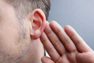 """احذر.. ألم الأذن قد يكون علامة علي """"ورم """" في المخ"""