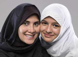 دار الإفتاء : ليس من حق الأب إجبار بنته علي ارتداء الحجاب