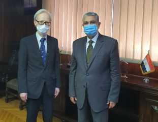 وزير الكهرباء يجتمع مع سفير اليابان في القاهرة.. إليك تفاصيل اللقاء