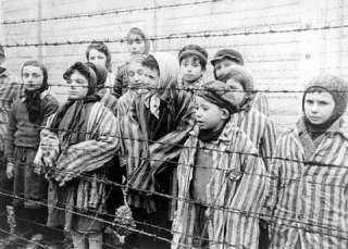 الهولوكوست .. لم يكن اليهود وحدهم وقوداً للمحرقة النازية