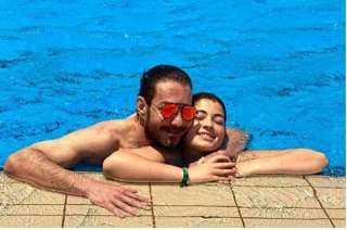 """بالفيديو.. ليلى أحمد زاهر تتغزل في والدها بـ """"أماكن السهر"""" لـ عمرو دياب"""