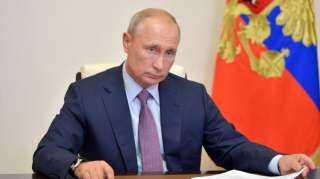 مليارات بوتين.. طلبات قياسية علي استيراد اللقاح الروسي لعلاج كورونا