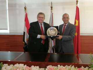 تعاون بين الجامعة المصرية الصينية ووكالة الفضاء المصرية لتصنيع وحدة اختبارات للأقمار الصناعية