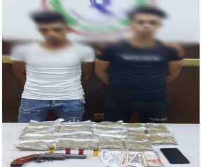 ضبط شخصين بالقاهرة بحوزتهما كمية من مخدر الفودو وسلاح نارى
