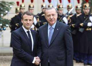 أردوغان يخطب ود ماكرون ويطلب شراء صفقة دفاع جوي من باريس