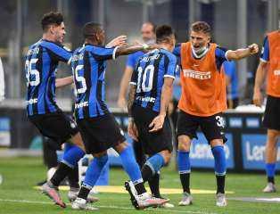 إنتر ميلان يضرب فيورونتينا برباعيو في مباراة مثيرة بالكالتشيو