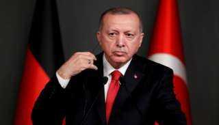 بالصور.. أردوغان يُغازل الأتراك بـ «الشاي»