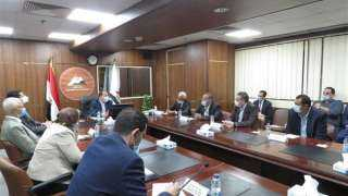 وزير المالية يطالب ممثلى كبرى السلاسل التجارية بترويج المنتج المصرى بأسعار تنافسية