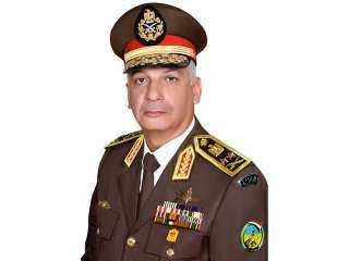 وزير الدفاع يتفقد قيادة قوات شرق القناة لمكافحة الإرهاب
