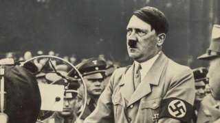 بيضاء وعينيها زرقاء.. قصة الدُمى الجنسية التي صنعها هتلر لحماية جنوده من مومسات فرنسا