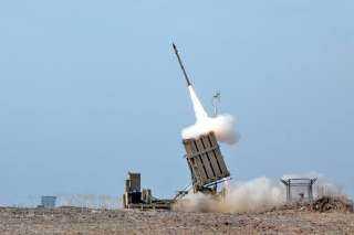 عاجل.. أمريكا تتسلم أول منظومة صواريخ طراز «القبة الحديدية» من إسرائيل