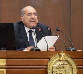 شاهد ماقاله رئيس مجلس الشيوخ للمرأة المصرية فى يومها العالمي