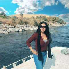 بإطلالة كاجوال مثيرة.. رانيا يوسف تروج للسياحة المصرية من مدينة السحر والجمال