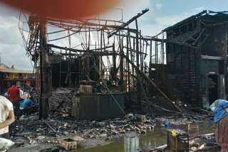 شهود عيان لحريق سوق محطة مصر الحريق بسبب البكيات العشوائية