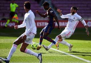كومان ينتقد الحكم عقب الهزيمة من ريال مدريد