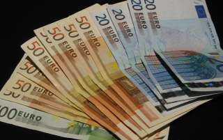 6 قروش ارتفاعا فى أسعار اليورو الأوروبى خلال التعاملات المسائية