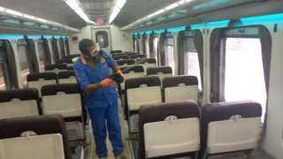 السكة الحديد تواصل أعمال التعقيم ضد كورونا