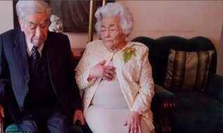 بعد 110 عامًا.. القدر يفرق بين أكبر زوجان في العالم