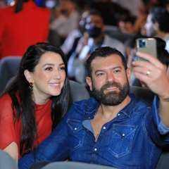 الحب كله.. عمرو يوسف يتغزل في زوجته في أحدث ظهور لهما